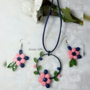 flower necklace🌸 هاندميد