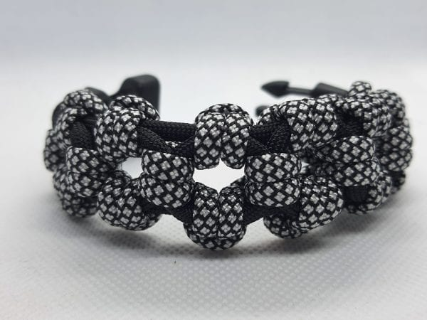 Paracord Black Rose Bracelet أسورة هاندميد